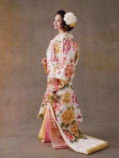 Pink an Yellow Peony Print Ilo Uchikake Japanese Kimono Dress, Kimono Japan, Japanese Costume, Traditional Japanese Kimono, Traditional Fashion, Traditional Dresses, Cute Kimonos, Kimono Design, Wedding Kimono