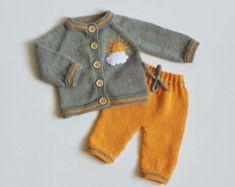 Hecho punto del bebé azul set sombrero y chaqueta hecha por Tuttolv