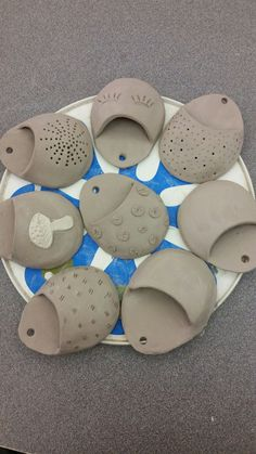 Spotted clay wall pockets - Hobbies paining body for kids and adult Hand Built Pottery, Slab Pottery, Ceramic Pottery, Clay Crafts For Kids, Kids Clay, Arts And Crafts, Clay Wall Art, Clay Art, Ceramics Projects