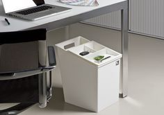 MY PERSONAL RECYLER Deskside Waste & Recycling Receptacle