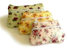 Pouches sewing pattern with double zippers by NapkittenPattern