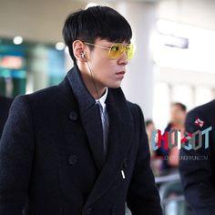 131003 GIMPO AIRPORT T.O.P PHOTO :D SEOUL>>>BUSAN ✈️✈️ #CHOIDOT #TOP #CHOISEUNGHYUN #탑 #최승현 #BIGBANG #최승현닷컴