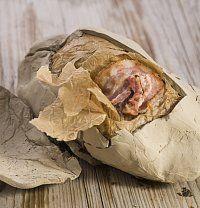 Recept na kuře po cihlářsku (Pollo dei mattonaia) podle Itala v kuchyni je skvělý nápad, jak spojit práci s keramikou a oběd v jednu zajímavou akci.