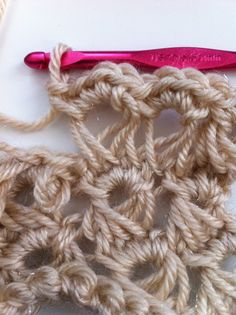 Ultimate Beginner's Guide to Broomstick Lace #Crochet @redheartyarns