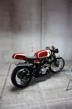 Yamaha XT600 Cafe Racer ~ Return of the Cafe Racers - very nice. Especially considering this was someone's first build!