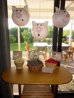 """Build your house activity - Three Little Pig Party. Winner's house withstood being blown down by """"the big bad wolf"""" Book Birthday Parties, Pig Birthday Cakes, Picnic Birthday, Third Birthday, Birthday Fun, Piglet Winnie The Pooh, Wolf Kids, Fairytale Party, Pig Party"""