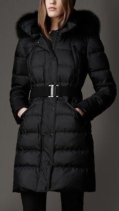 Burberry Fur Trim Puffer Coat in Black Black Puffer Coat, Down Puffer Coat, Down Coat, Winter Stil, Winter Coat, Long Winter, Coats For Women, Jackets For Women, Clothes For Women