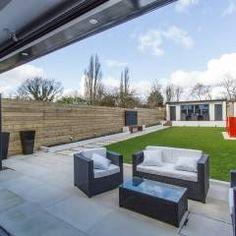 Whitton Drive: translation missing: en.style.garden-.modern Garden  by GK Architects Ltd