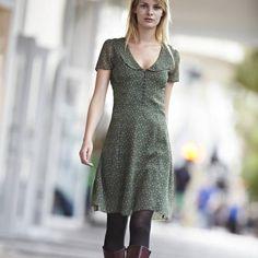 Kleid mit Bubikragen, uni/schwarz