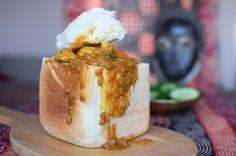 Our recipe for Bunny Chow, a popular and delicious South African street food South African Recipes, Indian Food Recipes, Asian Recipes, Easy Cooking, Cooking Recipes, Slow Cooker Bread, Baked Falafel, Good Food, Yummy Food