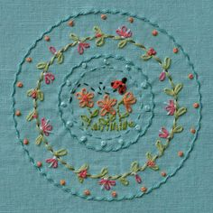 simple and beautiful embroidery Crewel Embroidery, Hand Embroidery Designs, Embroidery Applique, Cross Stitch Embroidery, Embroidery Patterns, Simple Embroidery, Floral Embroidery, Sewing Crafts, Needlework