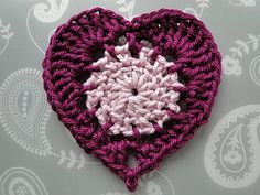 Classic Crochet Heart Appliqué by Claire from CrochetLeaf.com