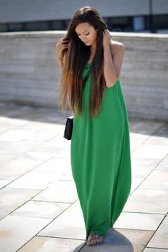 How to Make Them Green with Envy. green maxi dress I need this! Cute Dresses, Summer Dresses, Long Dresses, Summer Maxi, Long Skirts, Party Dresses, Tent Dress, Dress Shoes, Street Style