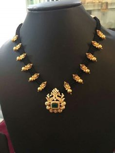 Gold Earrings Designs, Gold Jewellery Design, Necklace Designs, Gold Designs, Pendant Jewelry, Beaded Jewelry, Silver Jewelry, Thread Jewellery, Gold Pendant