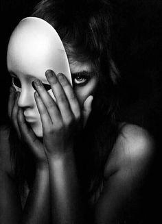 New Art Photography Portrait Masks Ideas Conceptual Photography, Dark Photography, Creative Photography, Portrait Photography, Dramatic Photography, Woman Photography, Surrealism Photography, Photoshop Photography, Beauty Photography