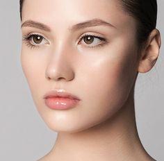 リキッドハイライトで横顔美人!内側から輝くツヤ肌を作る方法 - Yahoo! BEAUTY