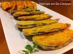 Crujientes d berenjenas / 1 berenjena mediana. 85 gr. de queso. 85 gr. de pan rallado. 1 ajo. 2 huevos