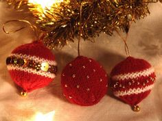 Christmas Baubles via Craftsy