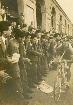 Fiorenzo Magni en la contrarreloj de la etapa 15 del Giro de Italia 1956.