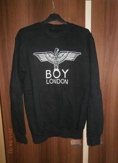 Kup mój przedmiot na #vintedpl http://www.vinted.pl/damska-odziez/bluzy/8442125-czarna-bluza-z-nadrukiem