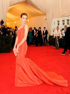 Met Ball 2014: Company's Best Dressed! Red was obviously a key colour of the evening - the fab Allison Williams looking beautiful!