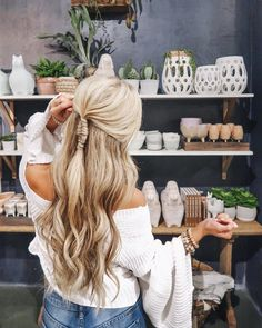 Long blonde natural beach waves with twisted braid || Nashville hair stylist work || Nashville style blogger instagram @SheaLeighMills || anthropology & free people spring outfit idea