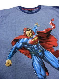 Pijama para hombre de Superman. Prenda en algodón 100%. Esquijama para hombre en manga y pantalón largo con estampación de Superman en el frontal de la prenda.