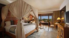 Clifftop Pampering: Ayana Resort and Spa, Bali