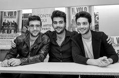 Repost giuseppe_mazzola_1981  IL VOLO: NOTTE MAGICA - A TRIBUTE TO THE THREE TENORS / #instore #mondadorimegastore PHOTOGRAPHY: © GIUSEPPE MAZZOLA #palermo #ilvolo #nottemagica #pierobarone #gianlucaginoble #ignazioboschetto #sony #sonymusic #ilvolovers #music #italy #sicilia @barone_piero @gianginoble11 @ilvolomusic @allmusicitalia #giuseppemazzolaphotography #giuseppemazzolaphotography #reportage #fineart #classical