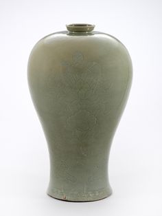 800 year-old incised celadon Maebyeong jar recovered from Goryeo Period ship wreck of Mado Island in the Yellow Sea. When found, the jar still contained remnants of the honey that was being shipped in it.