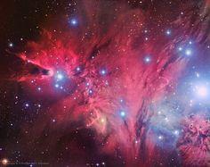 No hay ningún objeto astronómico más apropiado para estas fechas que NGC 2264, que utilizamos para designar dos cosas diferentes. Por un lado, la Nebulosa del Cono (en la derecha) y, por otro, el Árbol de Navidad, formado por las estrellas de derecha a izquierda (la estrella más grande en la derecha es la base del árbol, mientras que la estrella más cercana a la nebulosa del cono es la punta. #astronomia #ciencia