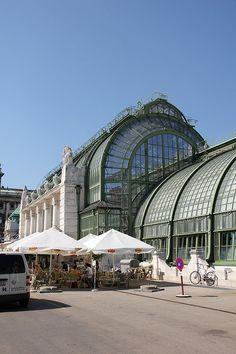 Wenen- Greenhouse. Hier heerlijk op het terras gezeten, van binnen ook heel bijzonder. Grenzend aan park-2007