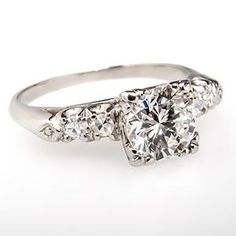 Vintage diamond engagement ring - 1940s