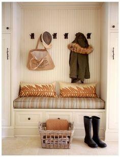 Otthon és dekor: Praktikus tanácsok az előszoba berendezéséhez
