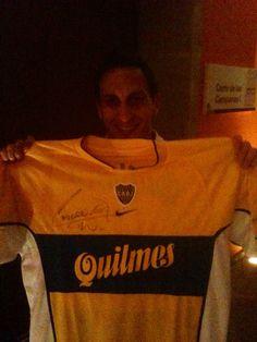 "Christian ""Chaco"" Giménez con el jersey de Boca Juniors de visita (2000)"