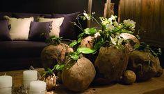 Gesteck aus naturmaterialien f r frischblumen ideen - Gartentischchen metall ...