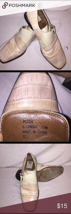 Marco Vicci dress shoes Cream/tan Marco Vicci dress shoes. Gently worn size 11M Marco Vicci Shoes Loafers & Slip-Ons