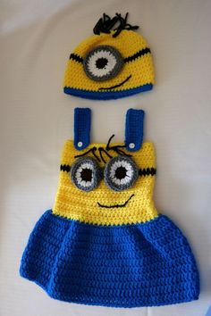 Items similar to crochet minion outfit on Etsy, Diy Abschnitt, Crochet Baby Dress Pattern, Baby Girl Crochet, Crochet Baby Clothes, Crochet For Kids, Crochet Patterns, Crochet Pillow, Minion Outfit, Minion Dress, Minion Shoes