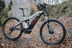 A BH Bikes apresenta a sua nova família E-Bikes. A Easy Motion Rebel Lynx combina o prestigioso sistema de suspensão Split Pivot com o motor PWseries da Yamaha A BH Bikes continua com a sua forte aposta nas E-Bikes e, para 2017, alargará a sua gama Easy Motion com a nova família Rebel, que estará …