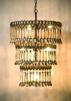 Lampadari fai da te: uno chandelier di cucchiaini | Fare casa
