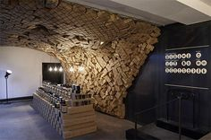 aesop doesn't cease to amaze us with its creative retail initiatives. the australian cosmetics brand opened another striking venue, this time a pop-up store + detox beauty bar at the merci concept store in paris. Merci Store, Aesop Shop, Merci Paris, Retail Interior Design, Retail Concepts, Pop Up Shops, Design Furniture, Commercial Interiors, Beauty Bar
