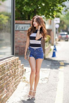 Sleeveless Knit Stripe Top