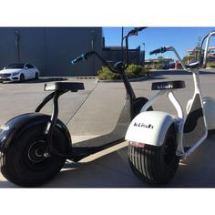 Amazing fat wheel scooter. The first of its kind in Australia. USB charging post, brushless  hub motor, disc brakes, sit or stand while riding. #steezer #futureelectric #electricscooter #allterrainsscooter #electricfun #futureeletcshop