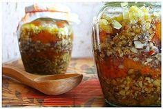 Два рецепта вкусных смесей для укрепления иммунитета. 1. Пропустить через мясорубку 1/2 стакана ...
