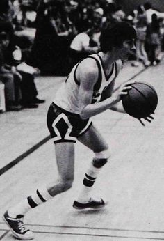 Kevin Costner playing varsity basketball at Villa Park High School in 1973.  #celebrity #genealogy