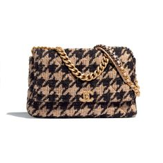 CHANEL 19 Large Flap Bag - Beige & Black - Tweed, Gold-Tone, Silver-Tone & Ruthenium-Finish Metal - Default view - see full sized version Source by Bags Chanel 19, Coco Chanel, Chanel Store, Chanel Black, Chanel Handbags, Tote Handbags, Purses And Handbags, Cheap Handbags, Cheap Purses