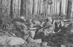 WWI, Oct 1915 a single specialist Machine Gun Company per infantry brigade was created.