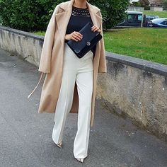 """Ladylike chic for the work week Street Style 2016, White Trousers, Classic Outfits, Work Attire, Work Fashion, Her Style, Business Women, Work Wear, Winter Fashion"