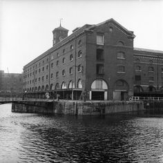 St Katherine's dock East End London, Old London, Saint Katherine, Irish Catholic, London History, London Photos, London Calling, Best Cities, Old Photos