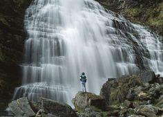 Cola de Caballo. Parque nacional de Ordesa (Huesca). A lo largo de una ruta a pie que parte de la pradera de Ordesa, el río Arazas desciende en una sucesión de bellas cascadas, como la de la Cola de Caballo, al fondo del circo de Soaso. ATLANTIDE PHOTOTRAVEL (CORBIS)  http://elviajero.elpais.com/elviajero/2013/07/23/album/1374577931_795132.html#1374577931_795132_1374582043